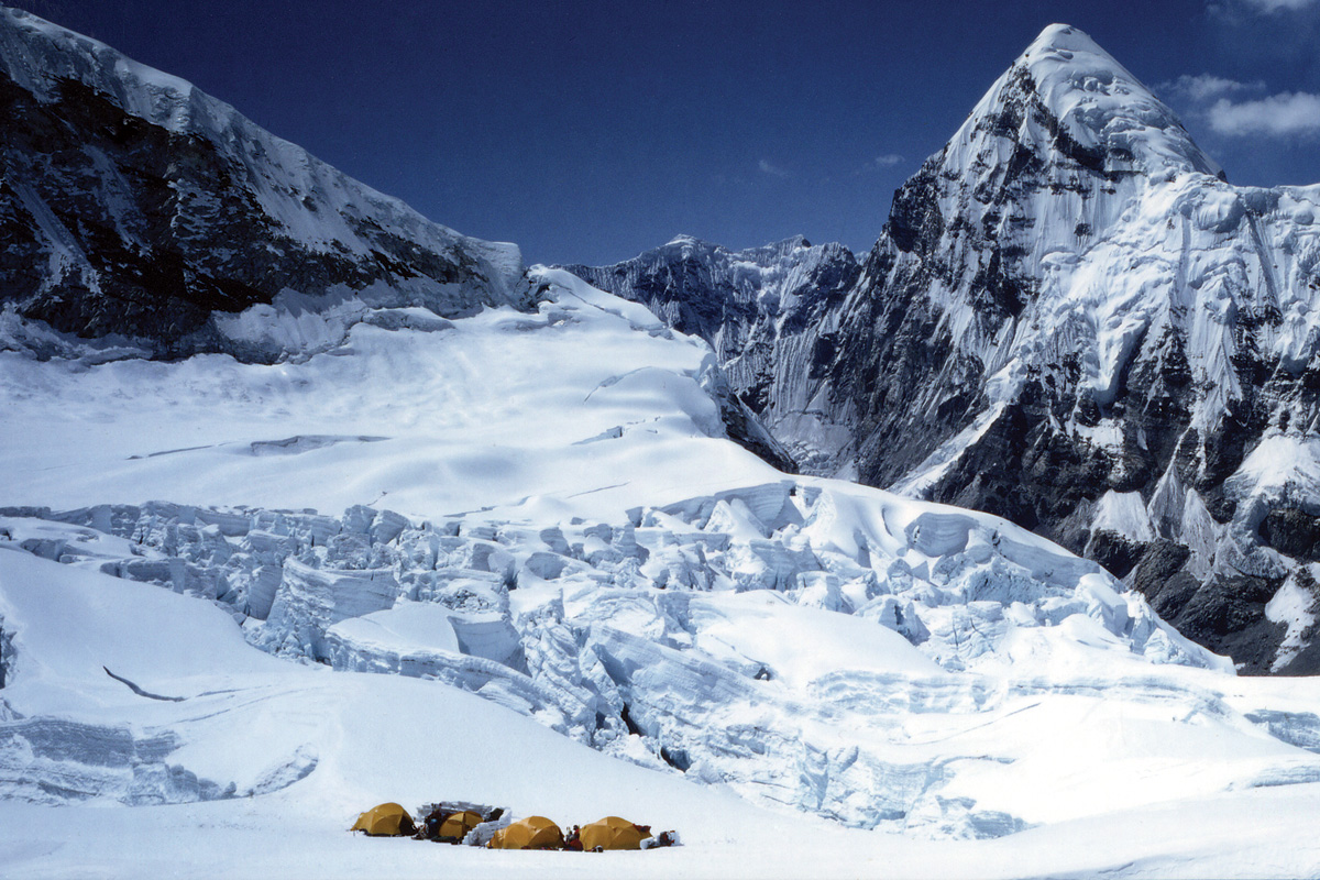 Mount summit hispanic singles