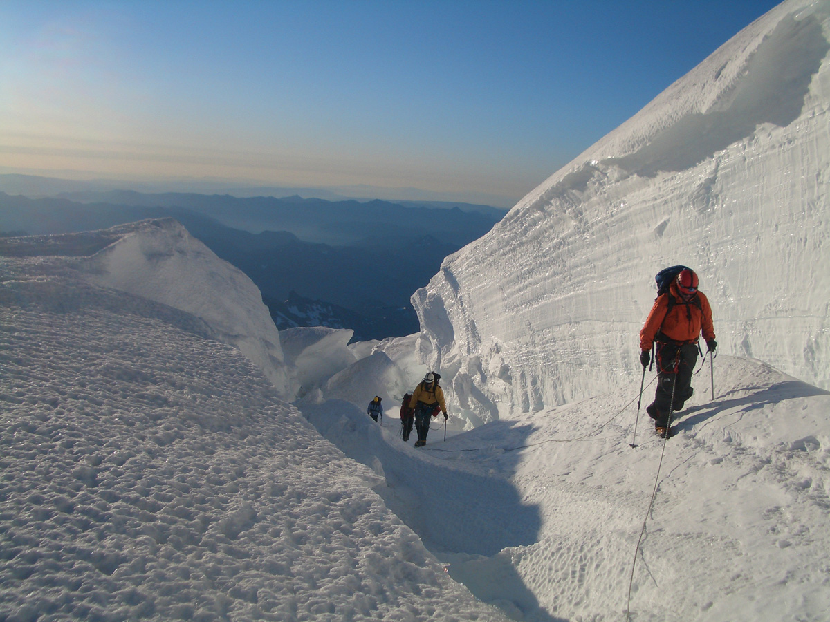 Review] mount rainier guided summit climb with rmi.